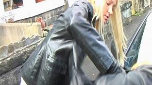 girl-leather-gloves-jacket-sd-1